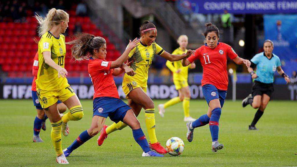 Schweden setzt sich mit Mühe gegen Chile durch