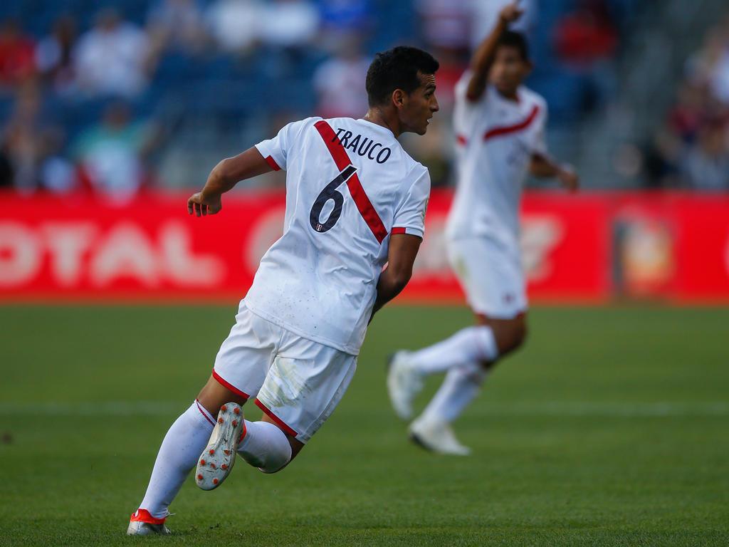 Trauco con la camiseta de la selección de Perú.