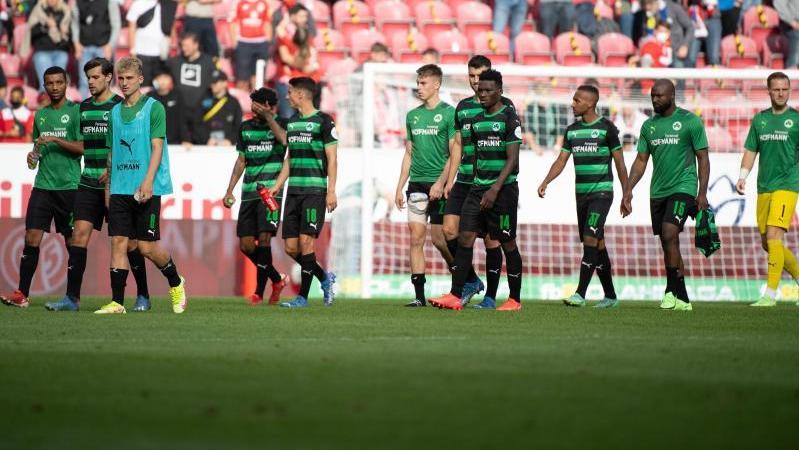 Die Fürther Spieler waren nach der Niederlage in Mainz bedient