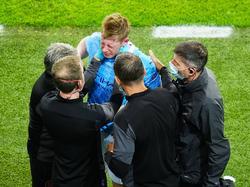 De Bruyne fue atendido y luego abandonó la final.
