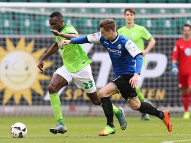 Bielefeld gibt Jugendspieler Henri Weigelt einen Profivertrag
