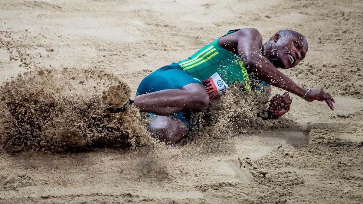 Luvo Manyonga hat gegen die Meldeauflagen verstoßen