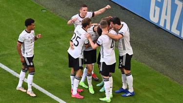 Das DFB-Team jubelt über den Sieg gegen Portugal