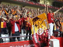 La afición del Galatasaray tiñó el estadio de rojo y amarillo. (Foto: Getty)