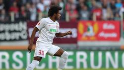 Wird ordentlich zur Kasse gebeten: Caiuby vom FC Augsburg