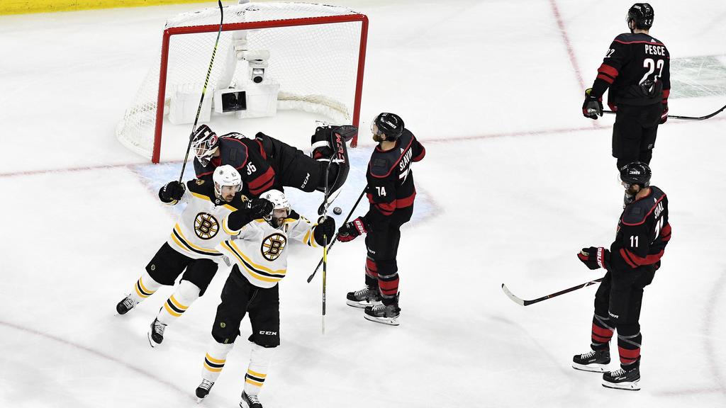 Die Boston Bruins haben den Hurricanes aus Carolina keine Chance gelassen