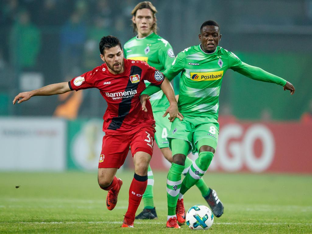 Denis Zakaria (r.) und Borussia Mönchengladbach haben gegen Leverkusen noch eine Rechnung offen