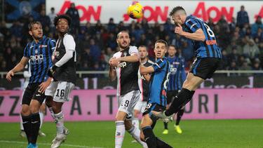 Robin Gosens (r.) köpfte zur Führung gegen Juventus
