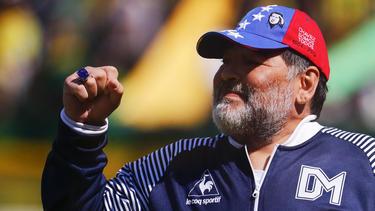 Maradona bleibt Trainer bei Gimnasia de La Plata