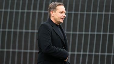 Horst Heldt will sich nicht zu den Schalke-Gerüchten äußern