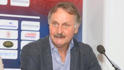 Peter Neururer glaubt noch fest an den FC Schalke