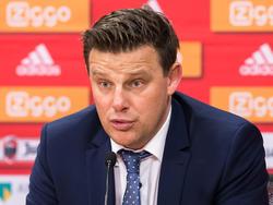 John Stegeman beantwoordt de vragen van de pers na afloop van het duel Ajax - Heracles Almelo. (26-01-2016)