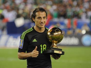 Na de gewonnen finale van de Gold Cup krijgt de Mexicaan Andrès Guardado ook een persoonlijke prijs. De PSV'er wordt verkozen tot beste speler van het toernooi. (26-07-2015)