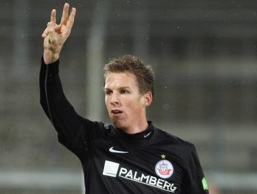 Heeft Johan Plat hier een hattrick gescoord, of beseft hij zich opeens dat hij in de derde divisie van Duitsland speelt?