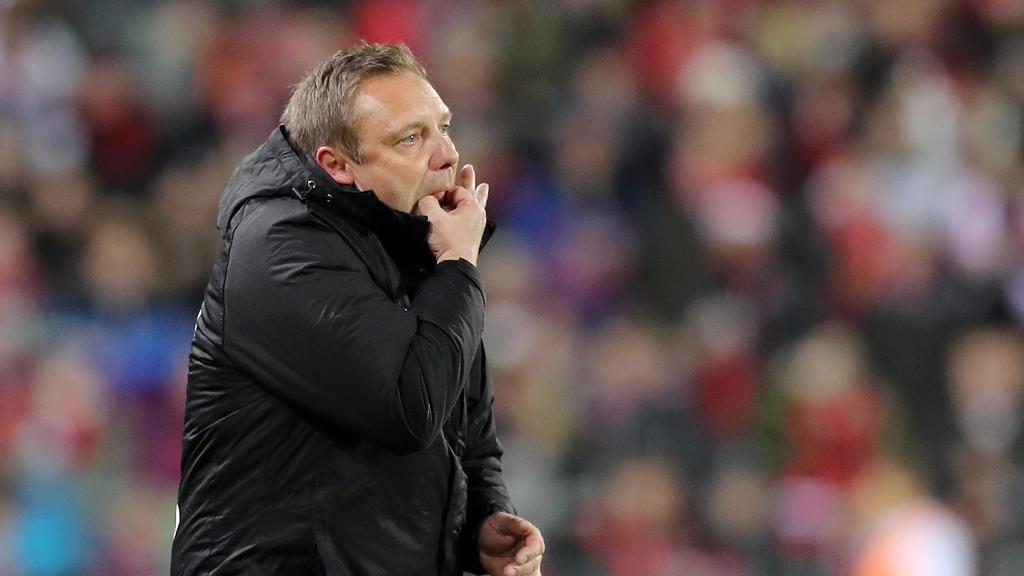 Sitzt auch am kommenden Spieltag auf der Bank: Trainer André Breitenreiter