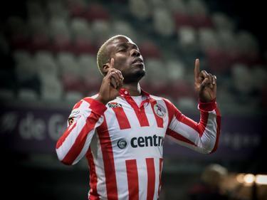 Mathias Pogba viert zijn treffer tijdens het competitieduel Jong Sparta Rotterdam - UNA/Brinvast (26-11-2016).
