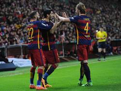 Aleix Vidal y Ivan Rakitic se caen de la lista del Barcelona. (Foto: Getty)