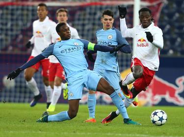 Rodney Kongolo im Zweikampf mit Gideon Mensah