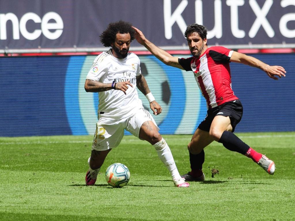 Marcelo sufre la entrada de Raúl García del Athletic.