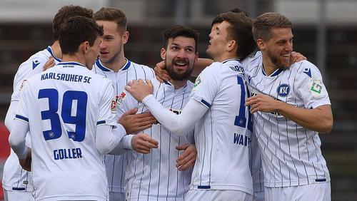 KSC feiert 4:2-Sieg bei den Würzburger Kickers