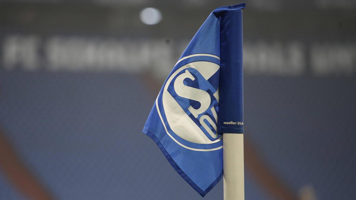 Der FC Schalke spielt ab 2022 wieder in Adidas-Trikots
