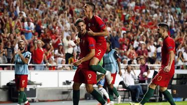 André Silva (l.) traf zum entscheidenden 1:0