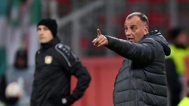 Antoni Zdrawkow (r.) schwieg nach dem Spiel gegen Bayer Leverkusen