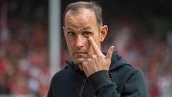 Heiko Herrlich will mit Bayer Leverkusen einen Sieg im Kellerduell gegen den VfB Stuttgart