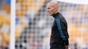 Zinédine Zidane denkt angeblich über einen Job beim FC Chelsea nach