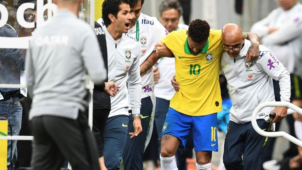 Neymar musste verletzt vom Feld