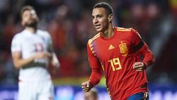 Rodrigo marcó los dos primeros goles de la Roja.