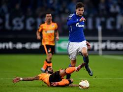 Leon Goretzka (r.) ist bei der abschließenden Gruppenpartie der Schalke nicht mit dabei
