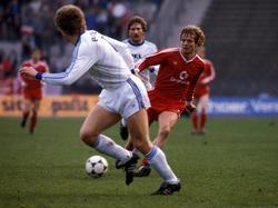 Sören Lerby in einer Szene aus dem Wiederholungsspiel gegen Bochum