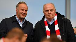 Rummenigge und Hoeneß (re.) freuen sich über Rekordumsätze beim FC Bayern