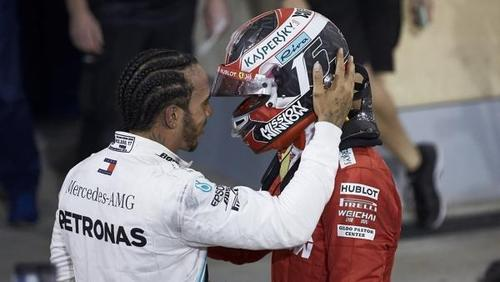 Lewis Hamilton findet viel Lob und Anerkennung für Ferrari-Pilot Charles Leclerc
