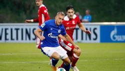 Timo Becker (v.) kam in der U23 des FC Schalke 04 zum Einsatz