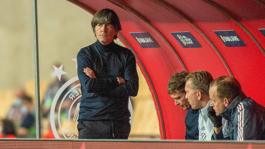 Joachim Löw und sein Trainerteam müssen eine 0:6-Niederlage gegen Spanien verantworten