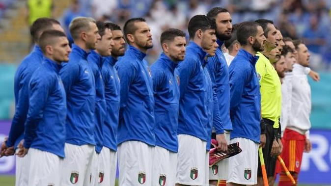 Die italienischen Spieler vor Anpfiff der Begegnung gegen Wales