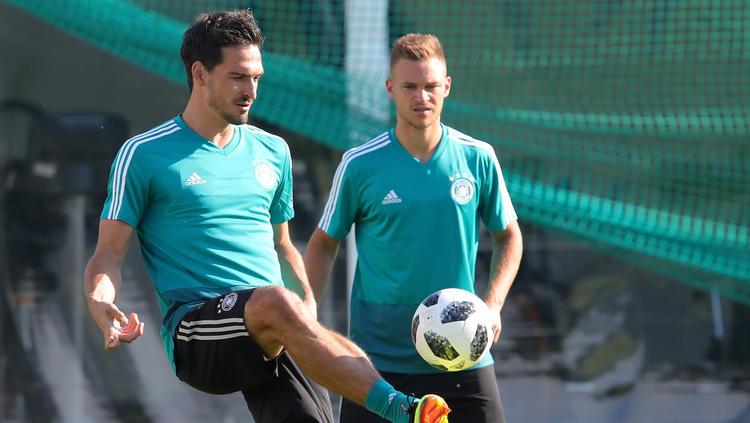 Joshua Kimmich (r.) und Mats Hummels Seite an Seite im DFB-Team