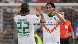 Wird von den Werder-Fans verehrt: Claudio Pizarro (r.)