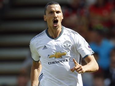 Zlatan lleva siempre el peligro en la delantera del United. (Foto: Getty)