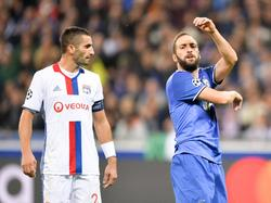 Maxime Gonalons (izq.) en un duelo contra la Juventus. (Foto: Imago)