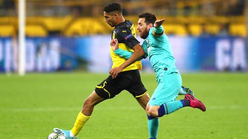 BVB-Verteidiger Achraf Hakimi (l.) im Duell mit Lionel Messi