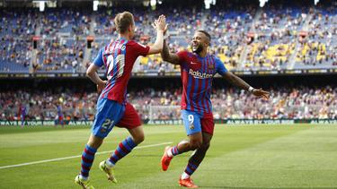 Depay (r.) erzielte für seinen neuen Klub ein wichtiges Tor