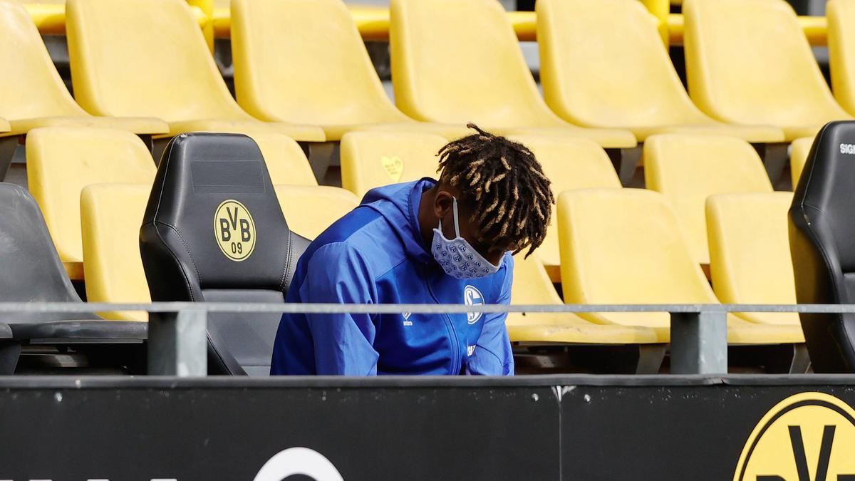 Jean-Clair Todibo vom FC Schalke 04 konnte im Saison-Endspurt nicht mehr eingreifen