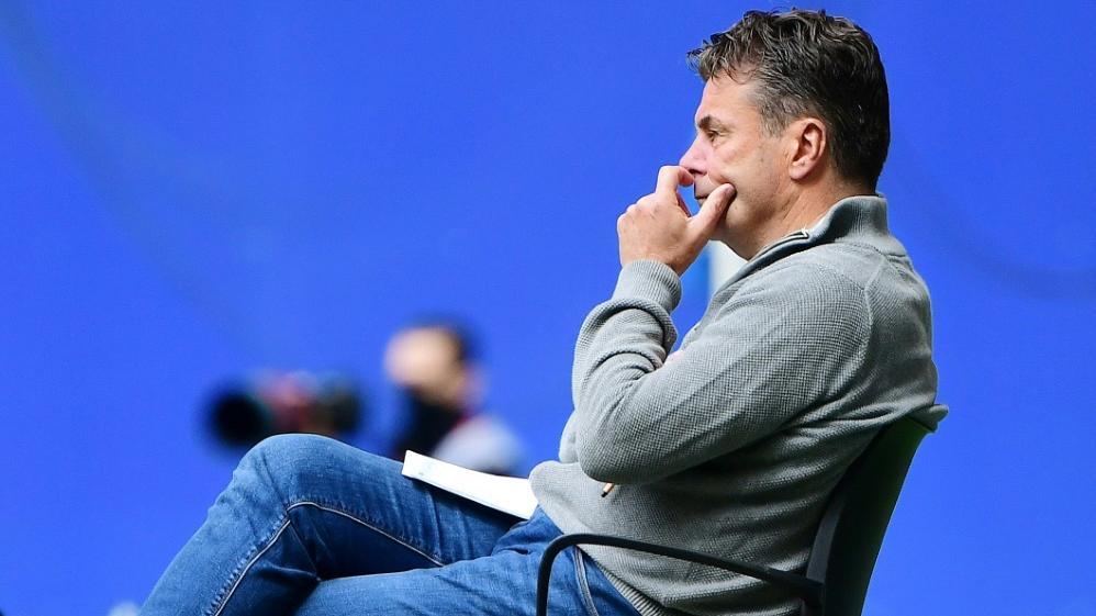 HSV-Coach Dieter Hecking hadert mit den späten Gegentreffern