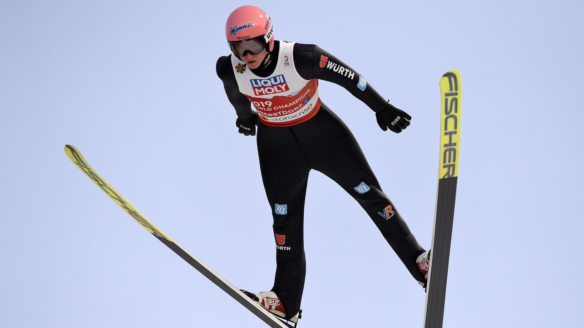 Karl Geiger flog beim letzten Einzelspringen des Jahres zum Sieg