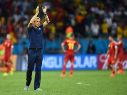 US-Trainer Jürgen Klinsmann bedankt sich nach dem WM-Aus bei den Zuschauern