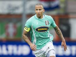 Josimar Lima in actie tijdens FC Volendam - FC Dordrecht. (1-12-2013)