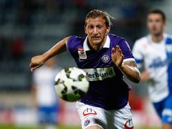 Daniel Royer hat den Ball fest im Blick